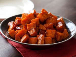 cc-armendariz_roasted-sweet-potatoes-with-honey-cinnamon-recipe-02_s4x3